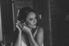 Bridal prep on Erin's wedding morning - stunning photo