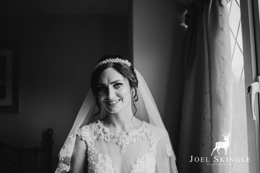 Stunning natural bridal makeup for Hannah who looks glowing in the natural light