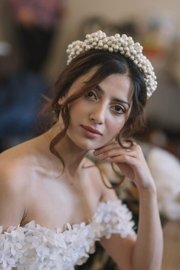 Stunning asian bridal model Hina looks flawless with her natural, glowing makeup